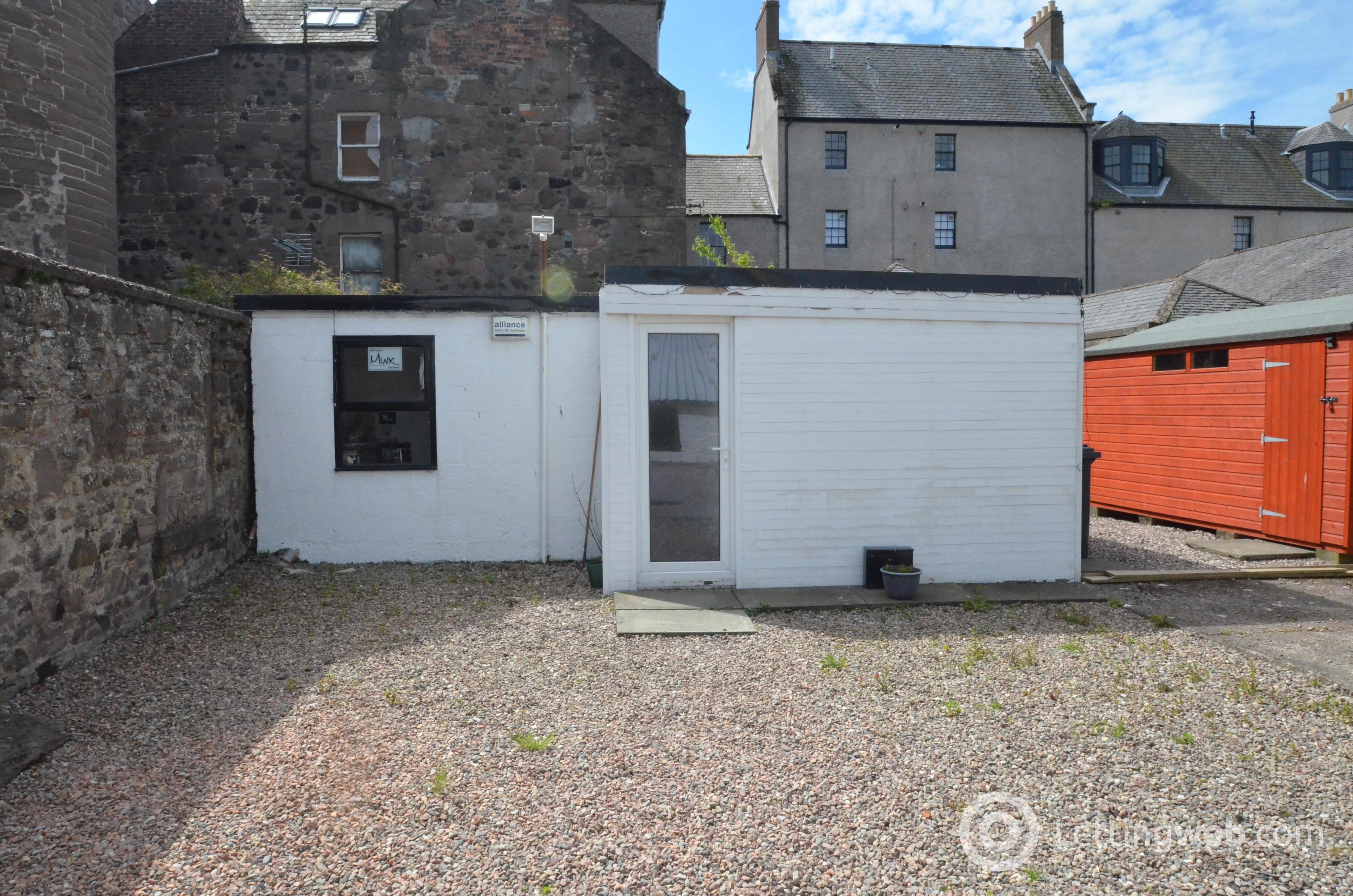 Property to rent in Shop/Office 116 Murray Street