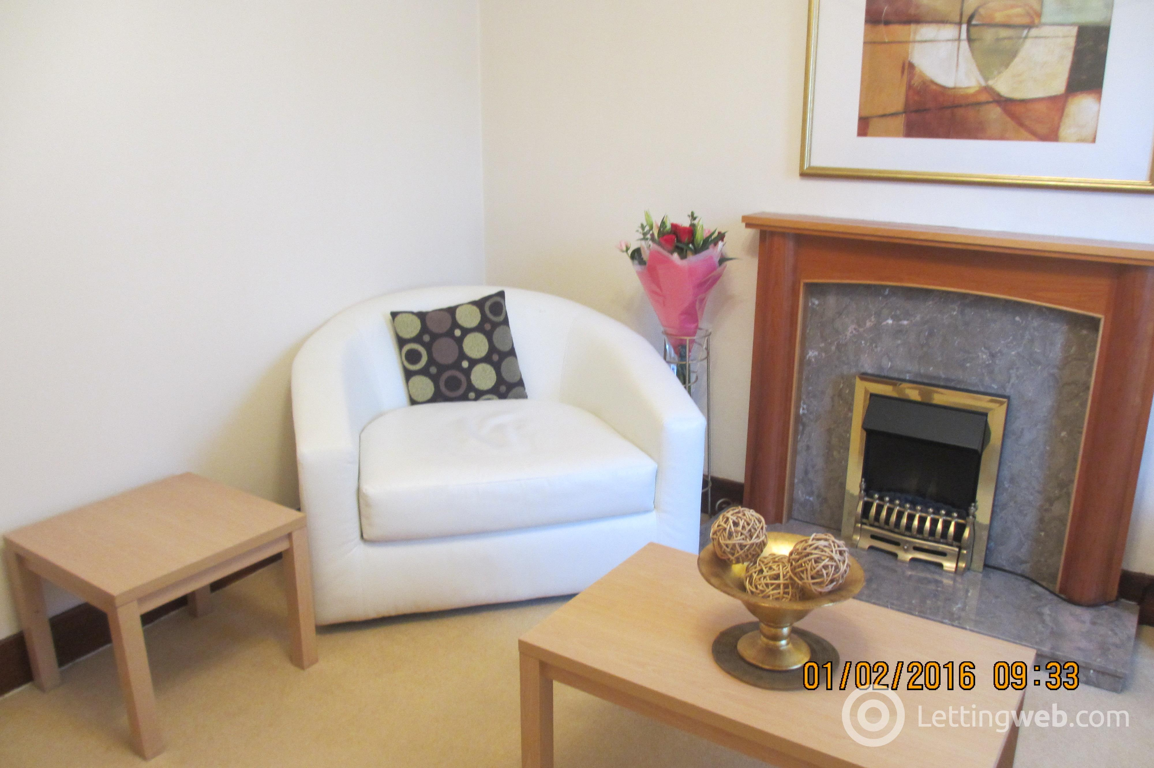 Property to rent in Clifton Road