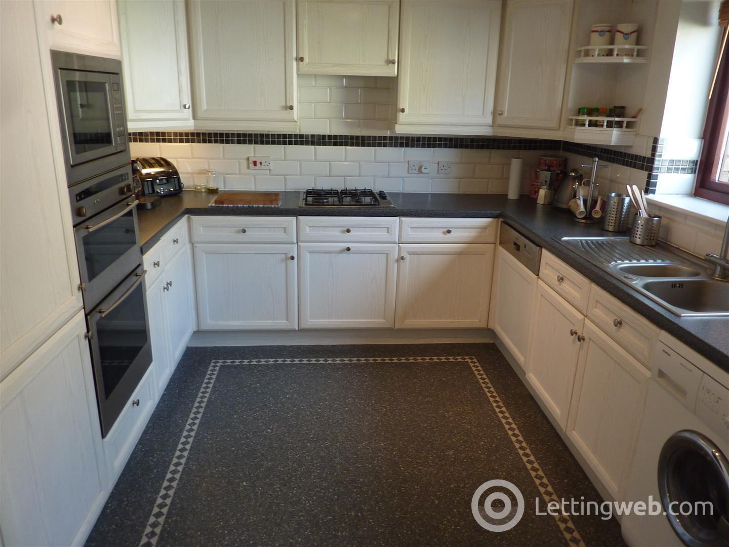 Property to rent in Partickhill Road