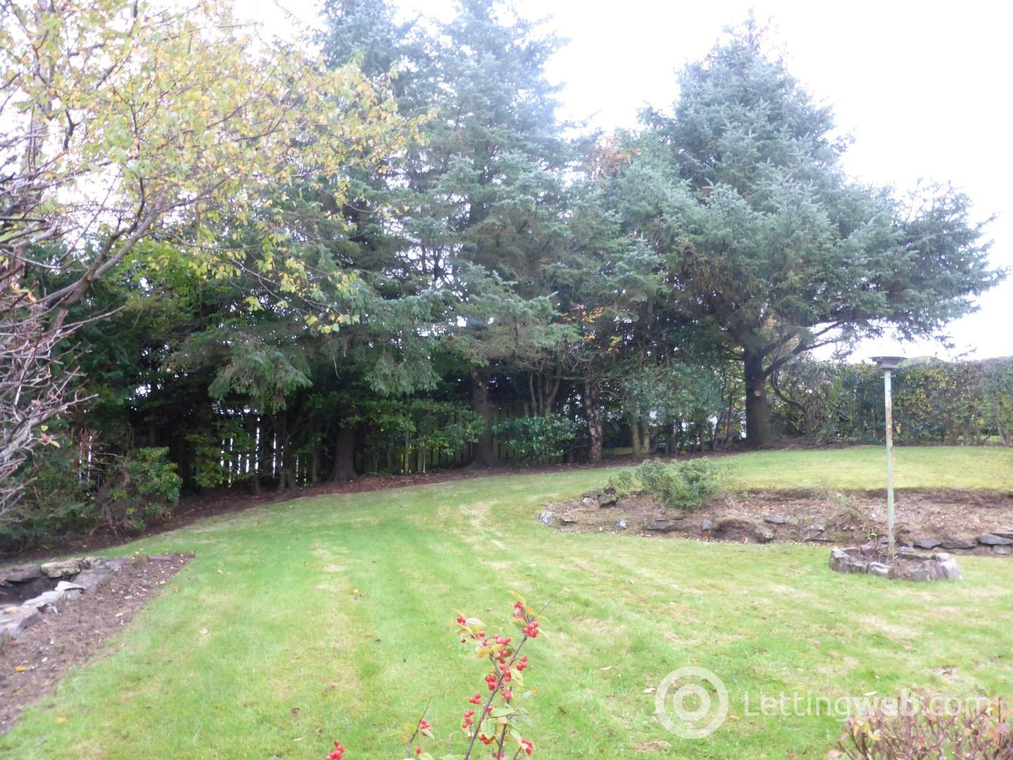 Property to rent in Cedarwood Avenue