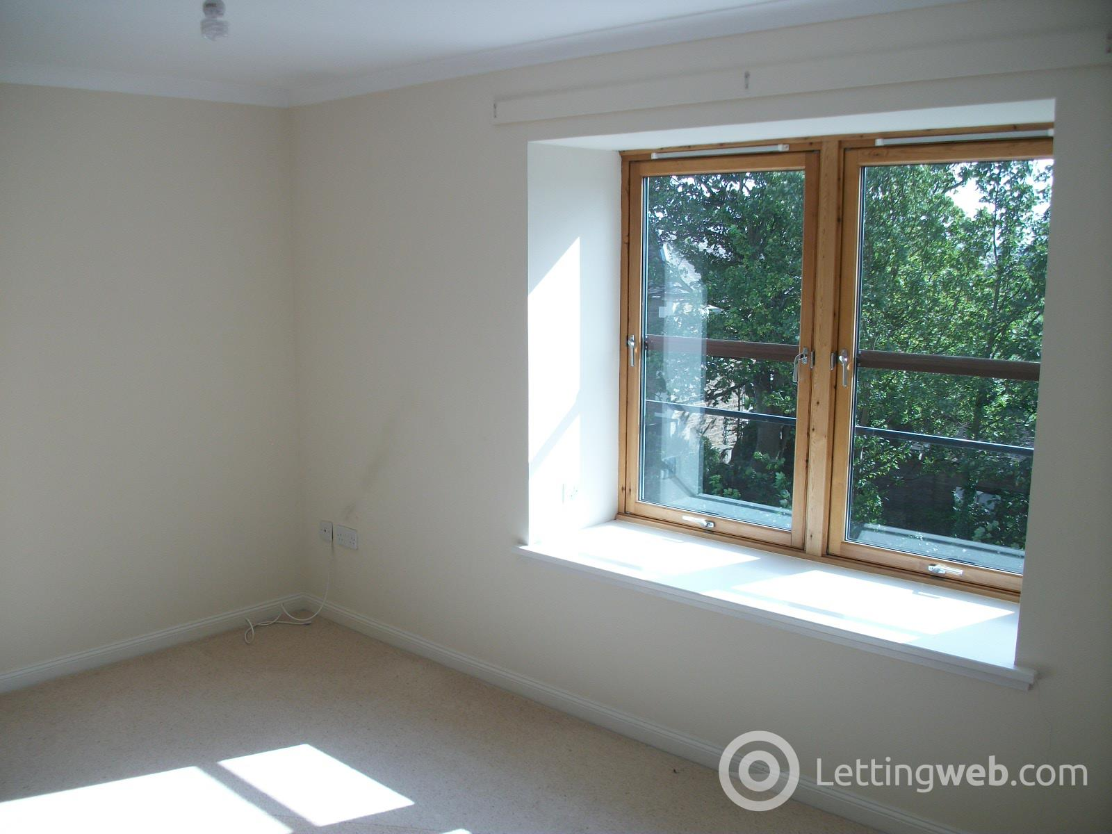 Property to rent in Queen Street, Broughty Ferry