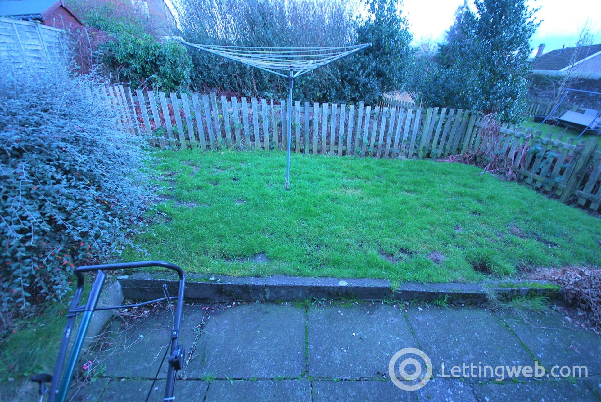 Property to rent in Duchlage Road, Crieff