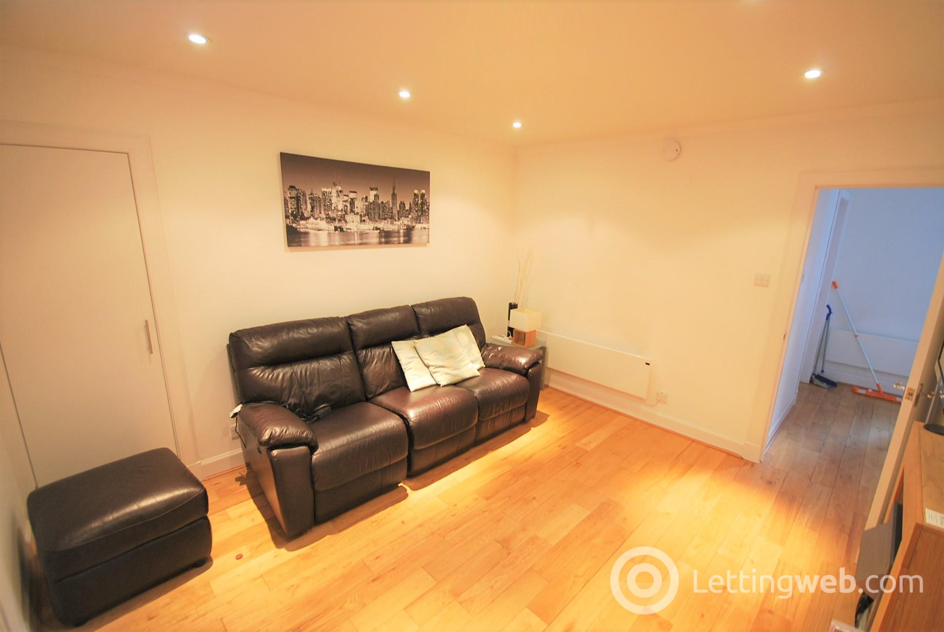 Property to rent in 89B East High Street