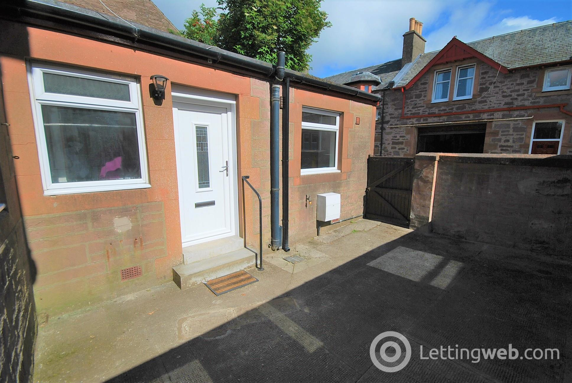 Property to rent in Salters Croft