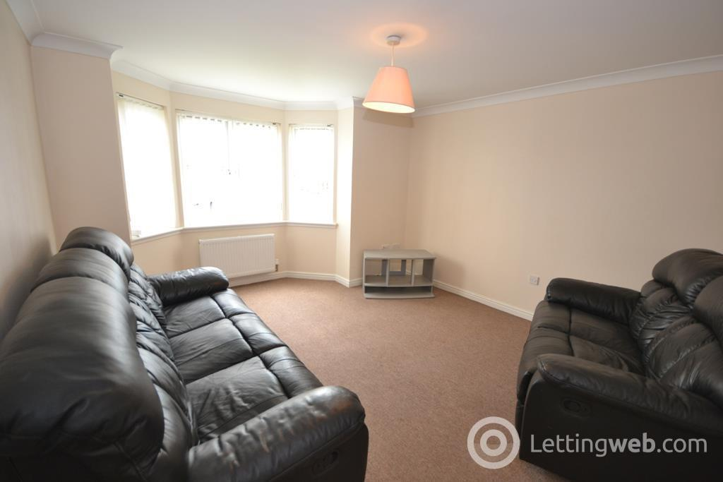 Property to rent in Simpson Square, Perth