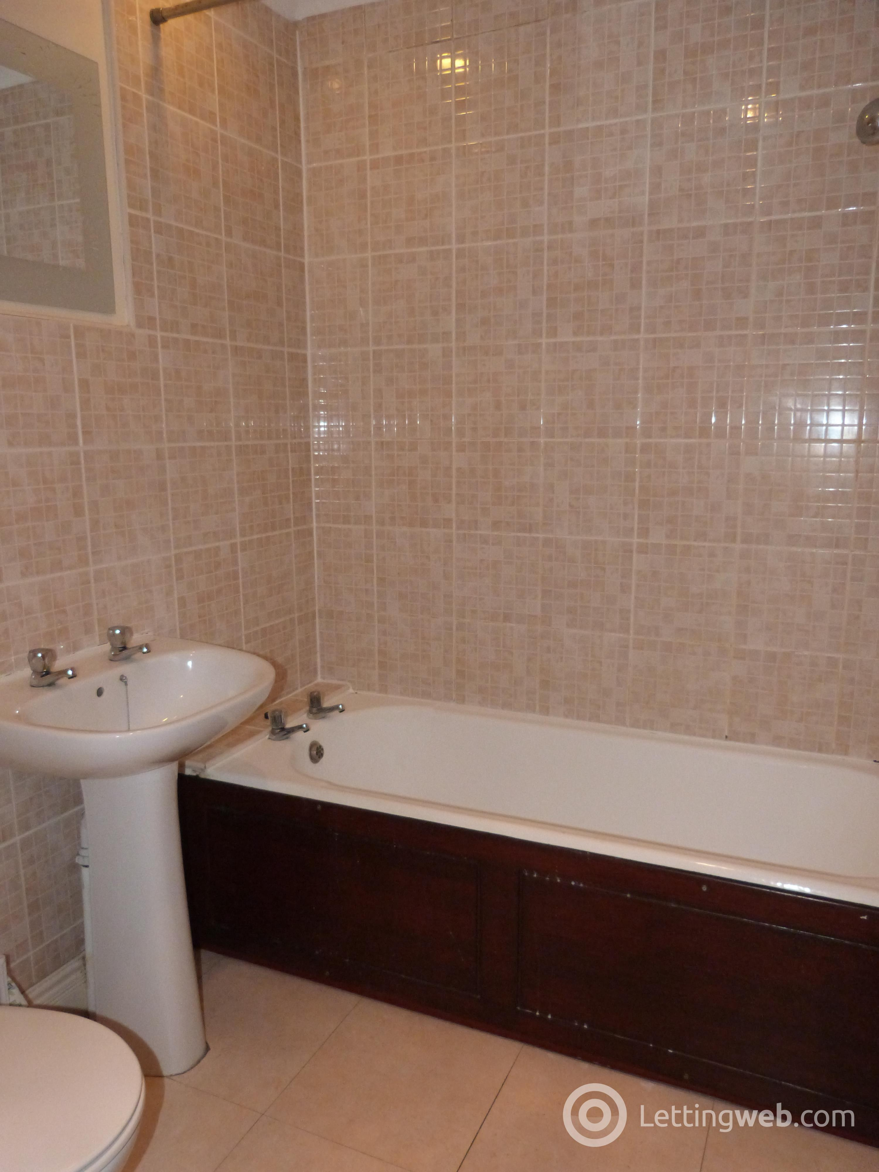 Property to rent in Feus Road
