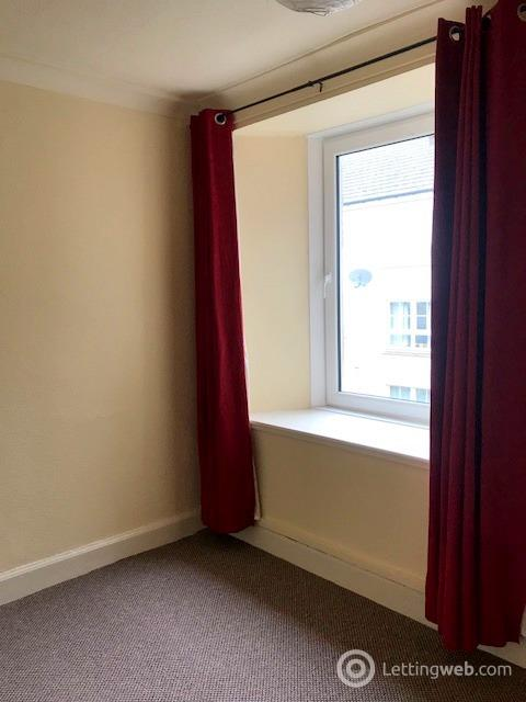 Property to rent in Kinnoull Street