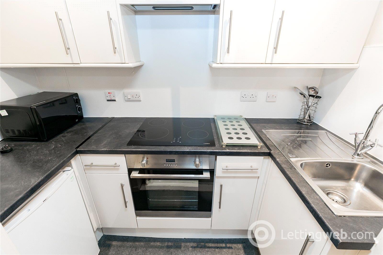 Property to rent in Flat 12, 59 Baker Street, Aberdeen, AB25