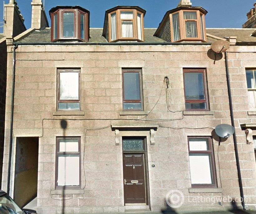 Property to rent in 25B King Street, Peterhead, AB42