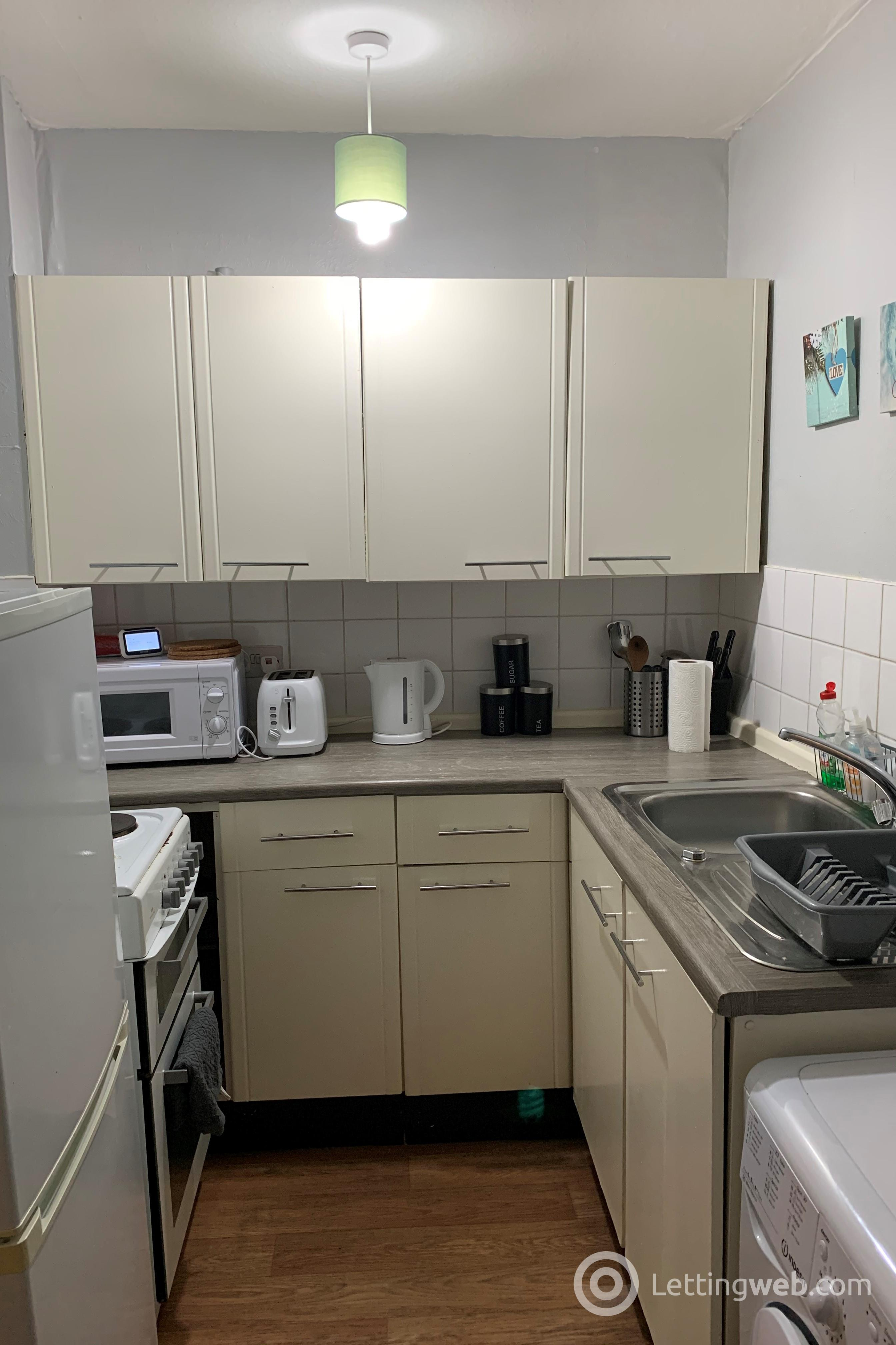 Property to rent in smithfield street gorgie
