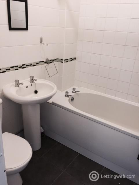 Property to rent in Newton Terrace, Paisley