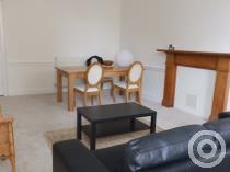 Property to rent in 8 Chapel street