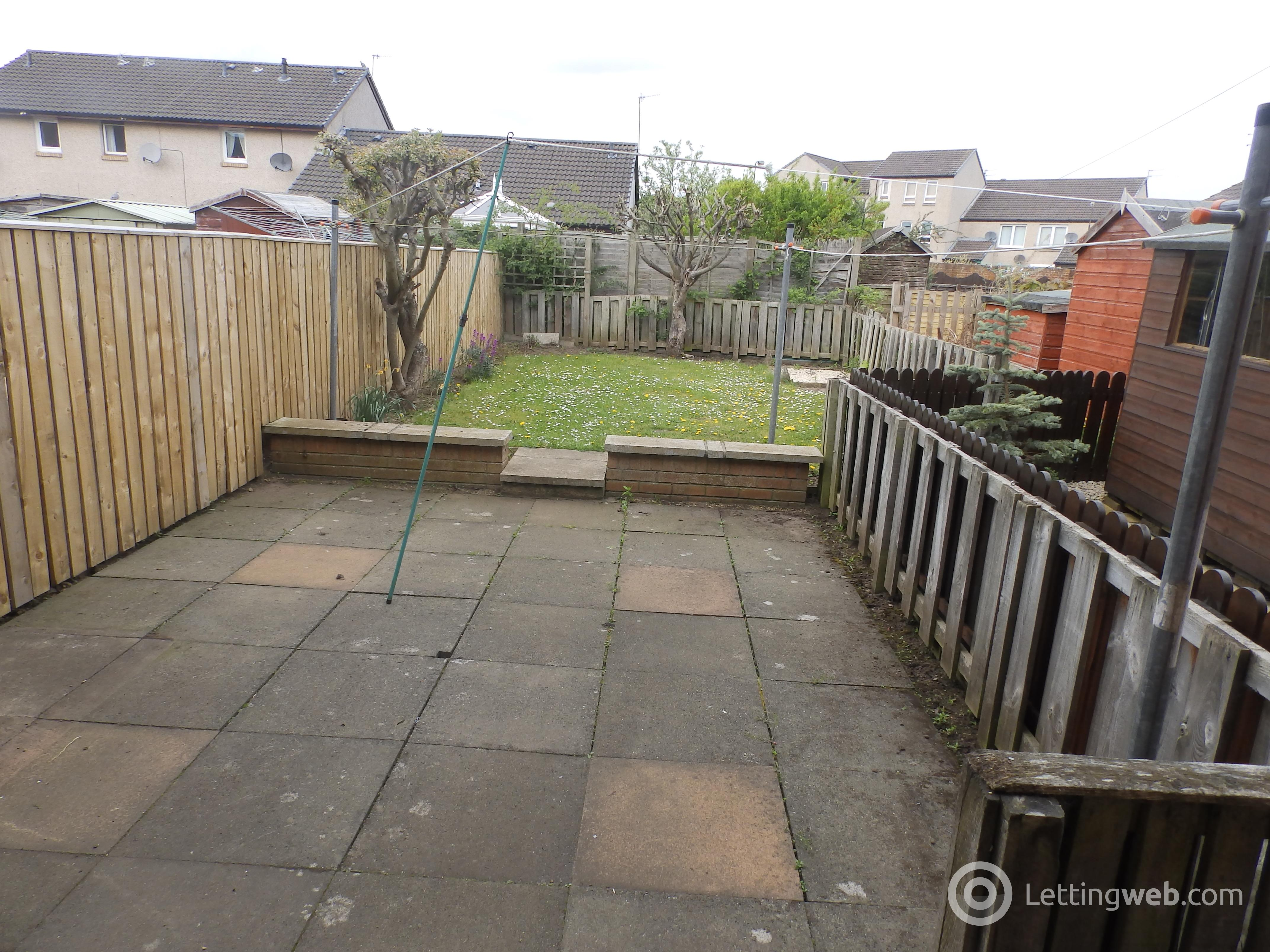 Property to rent in Dobsons Walk