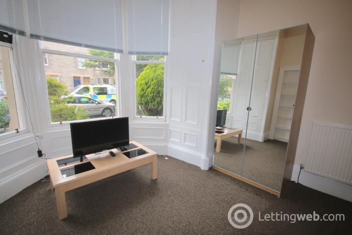 Property to rent in Warrender Park Road, Edinburgh EH9