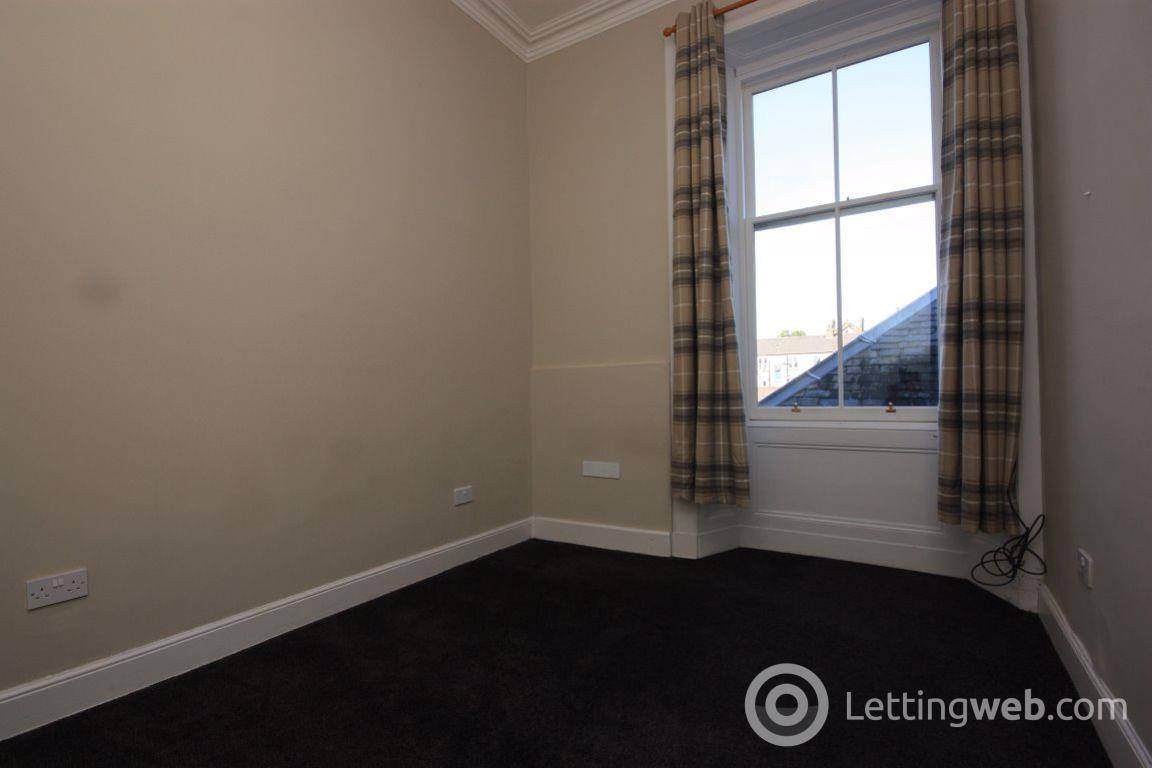 Property to rent in Flat 1/1, 18 West Princes Street