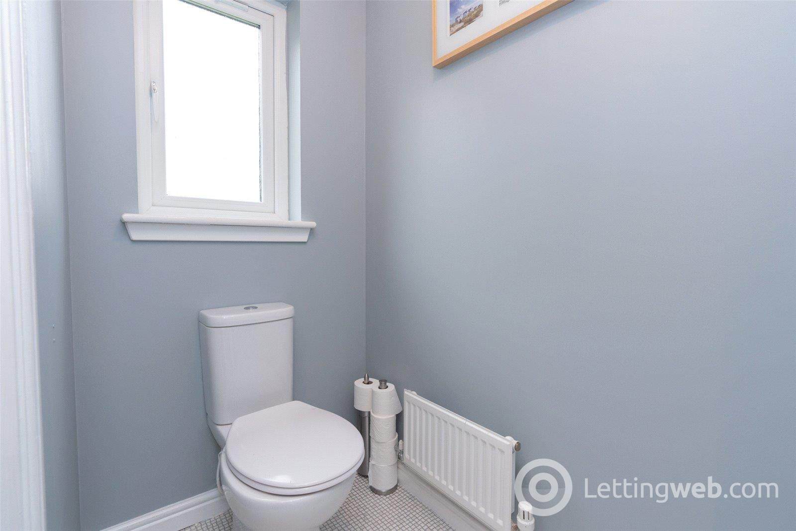 Property to rent in 30 Dunipace Road, Edinburgh, EH12