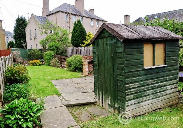 Property to rent in Whitson Place East