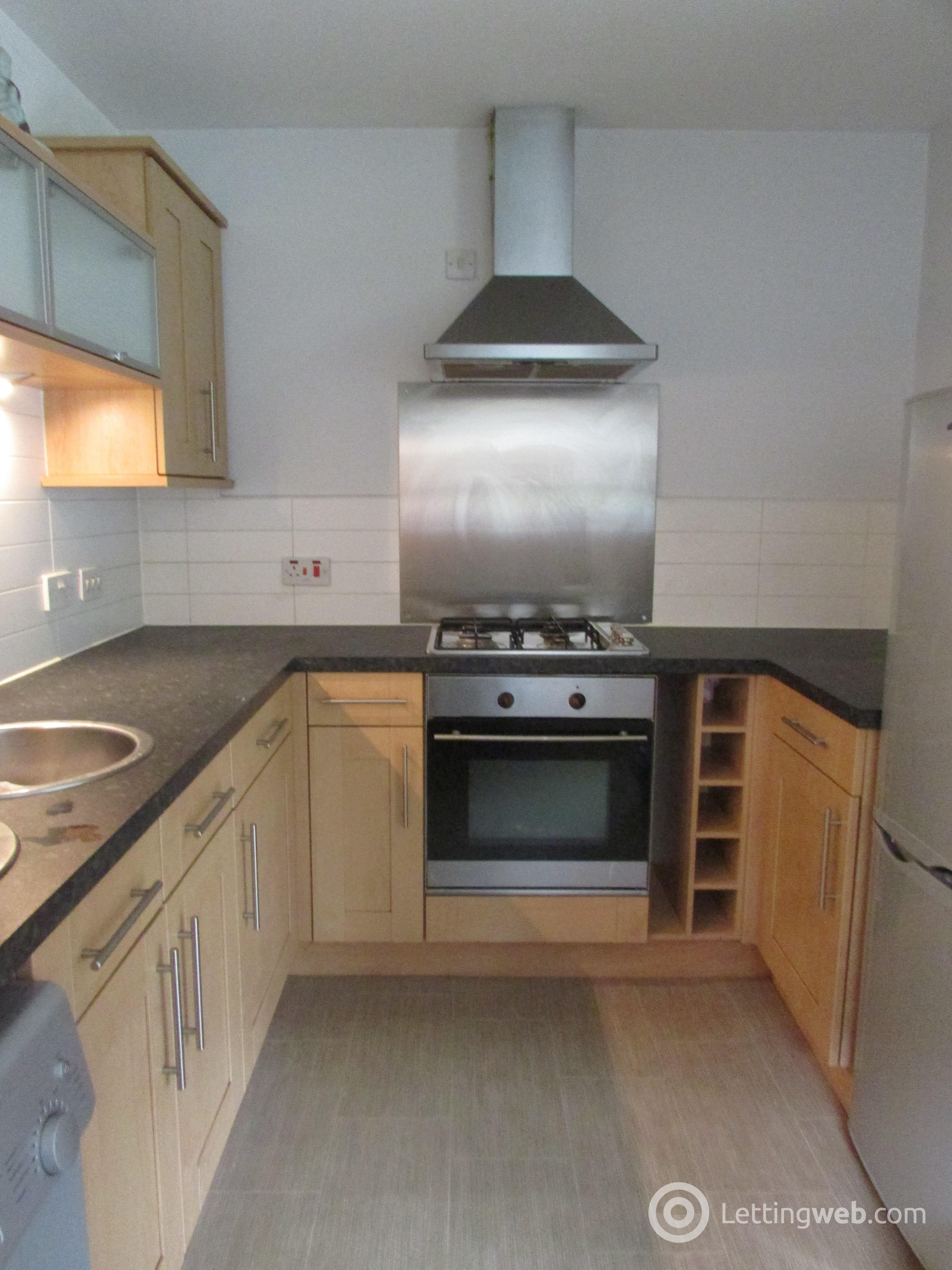 Property to rent in Saucel Place