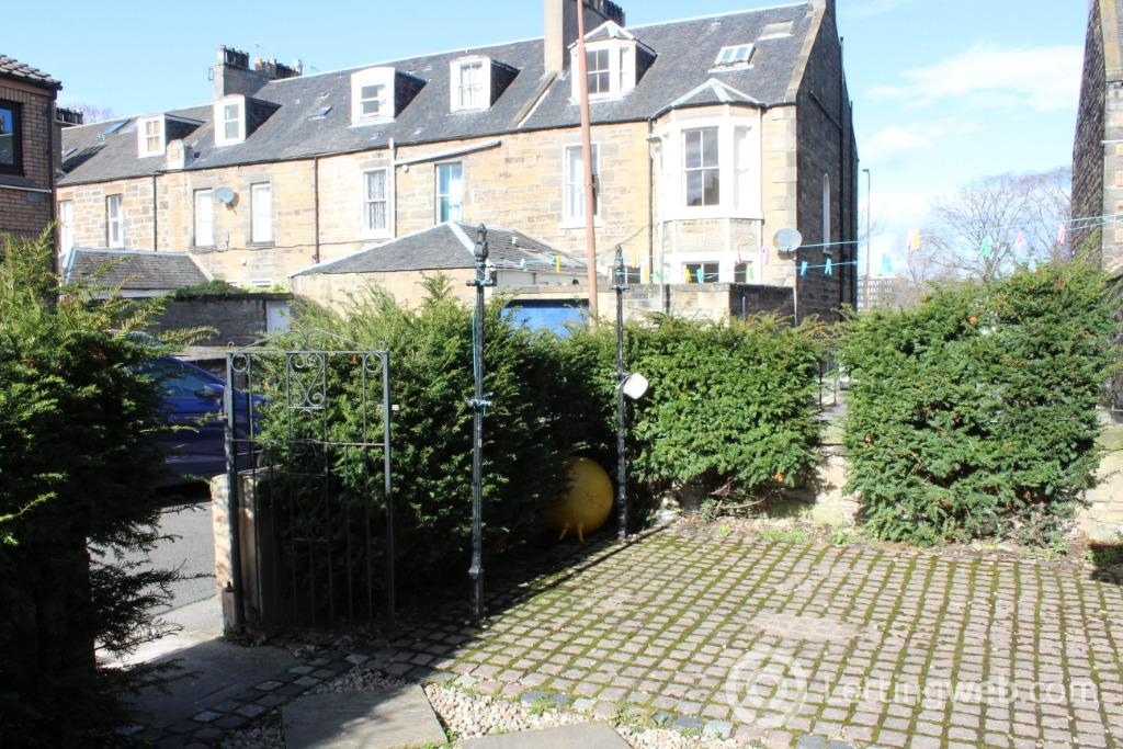 Property to rent in Fingzies Place, , Edinburgh, EH6 8AW