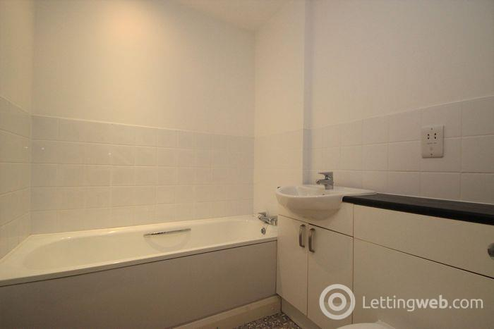 Property to rent in Castle Street, Hamilton, ML3 6BU