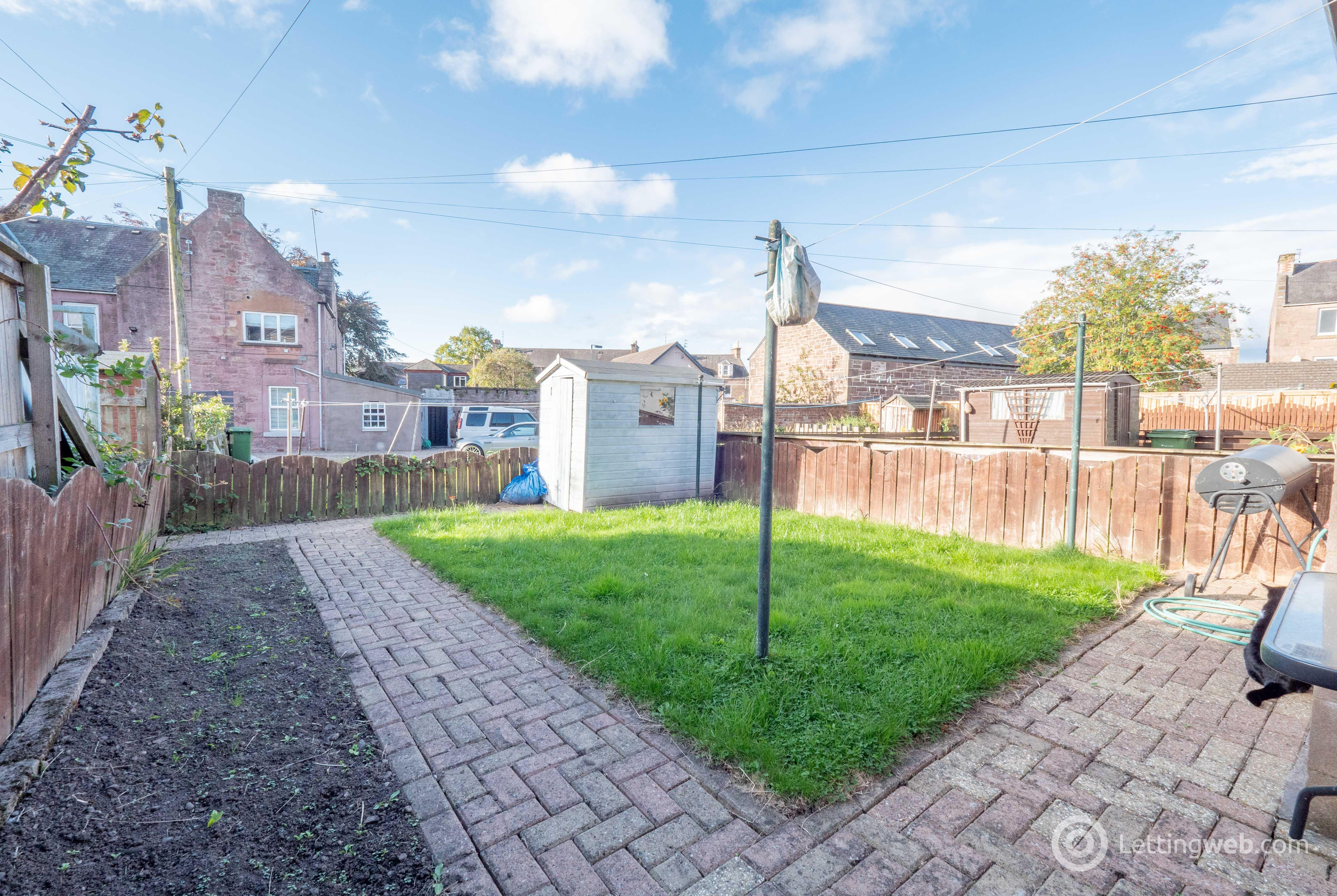 Property to rent in 17 Victoria Place