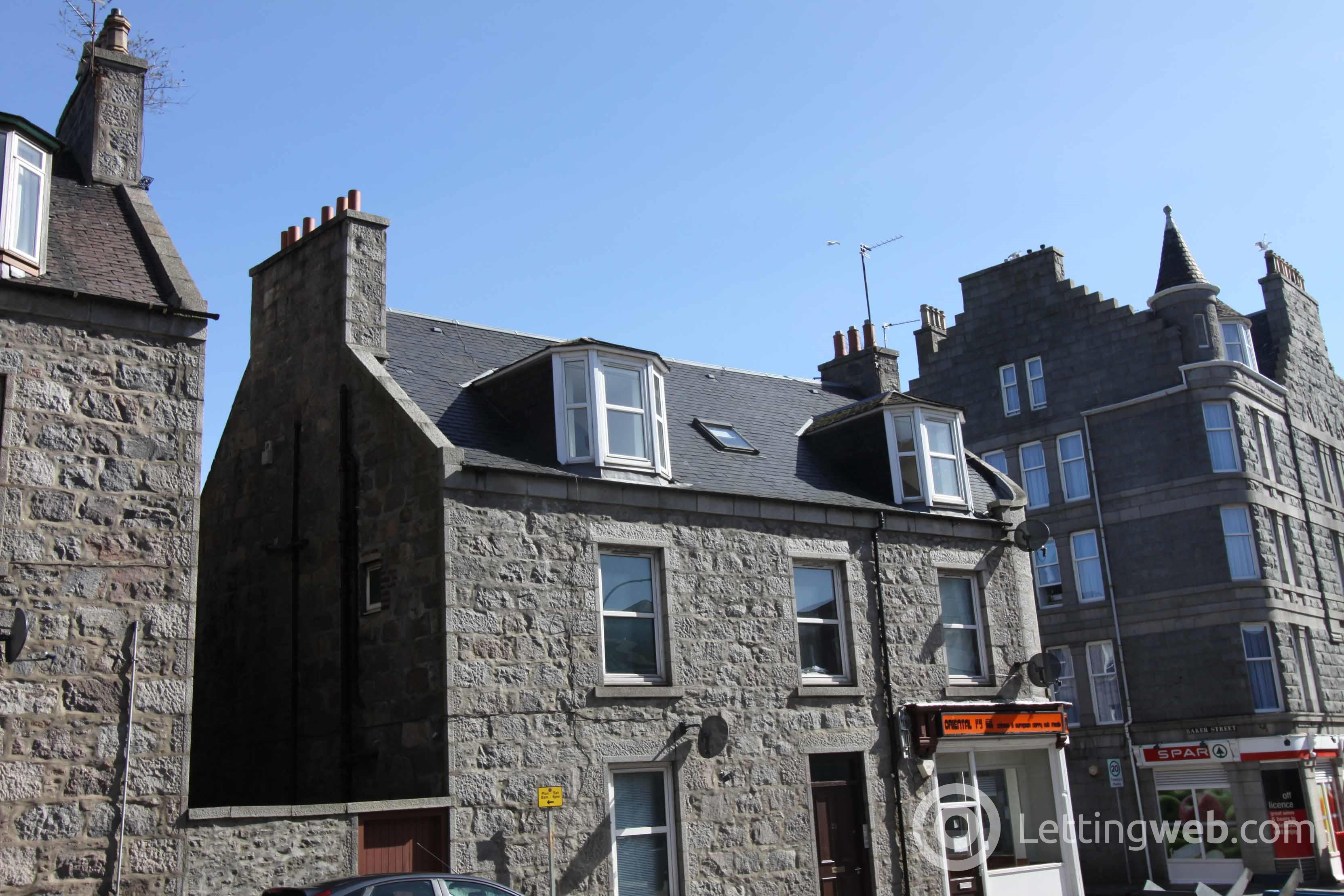 Property to rent in Attic flat 32 South Mount Street, Aberdeen