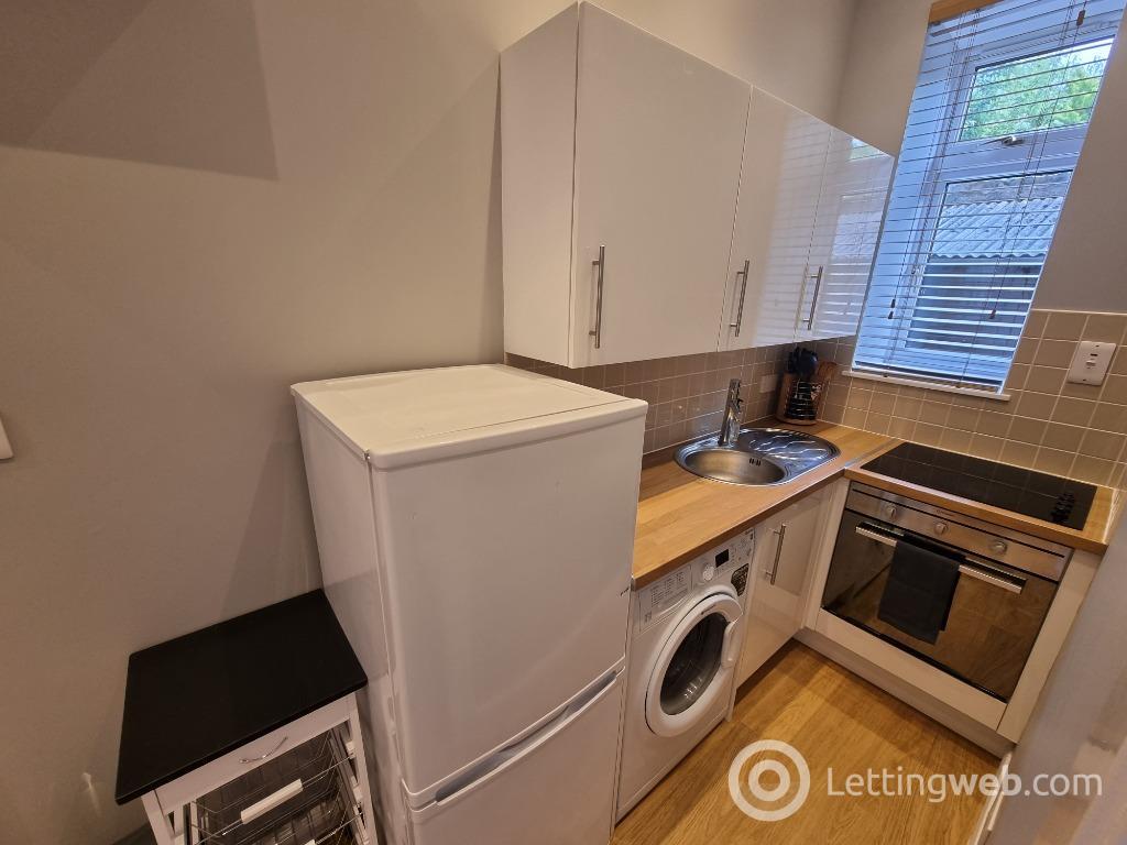Property to rent in West Mount Street, Rosemount, Aberdeen, AB25 2RD