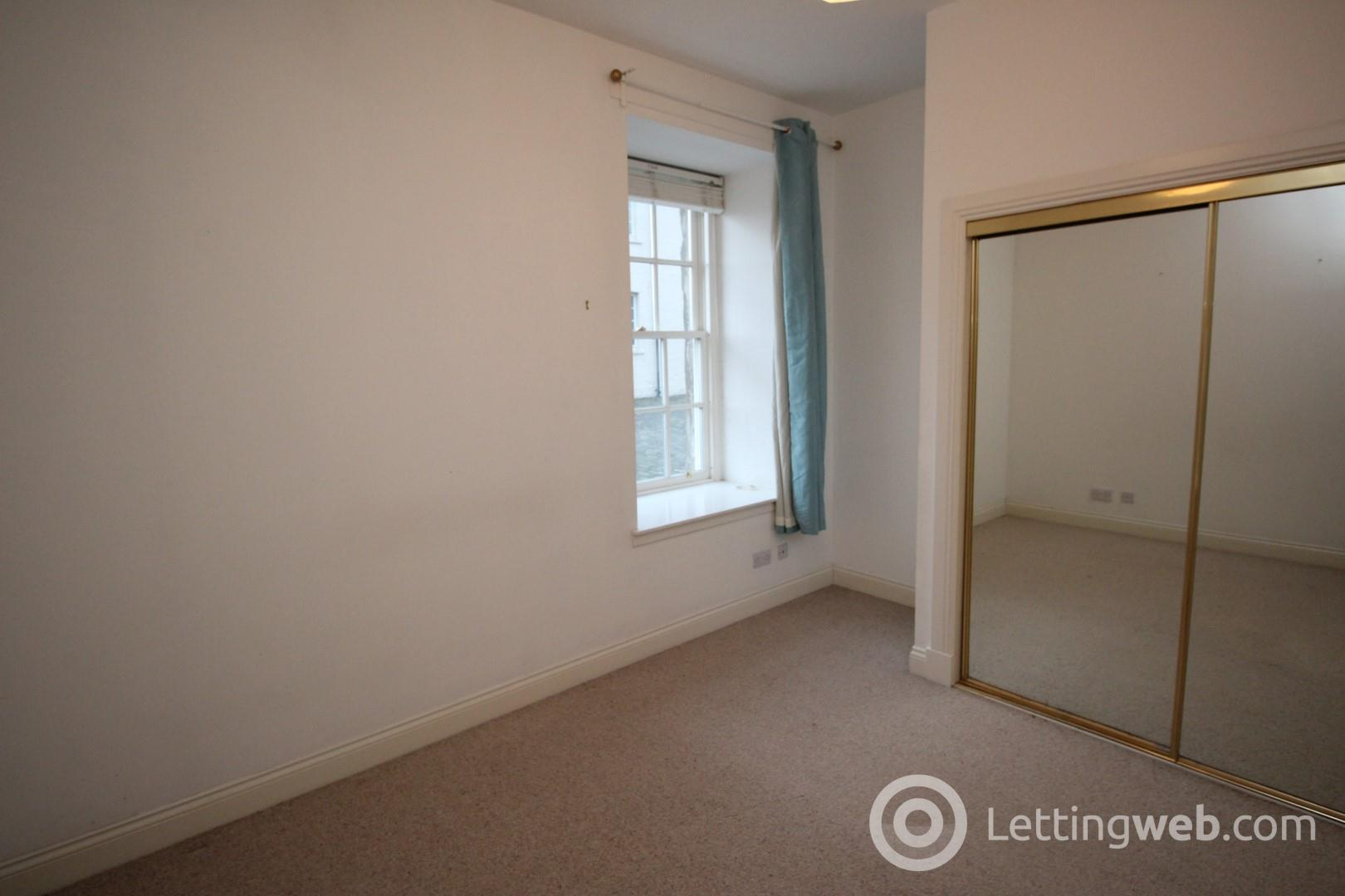 Property to rent in Chandlers Lane