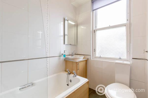 Property to rent in Summerside Place, Trinity, Edinburgh, EH6 4NZ