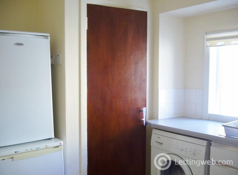 Property to rent in Hugh Street, Balintore
