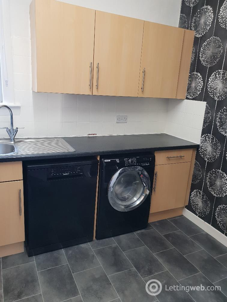 Property to rent in Graham Crescent
