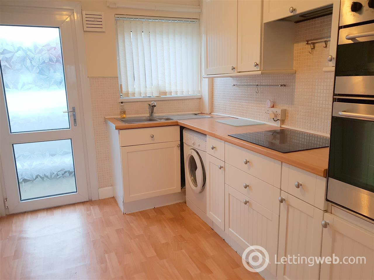 Property to rent in Eglinton Drive, Eaglesham