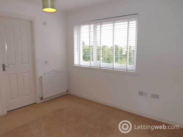 Property to rent in Gorely Place, Motherwell