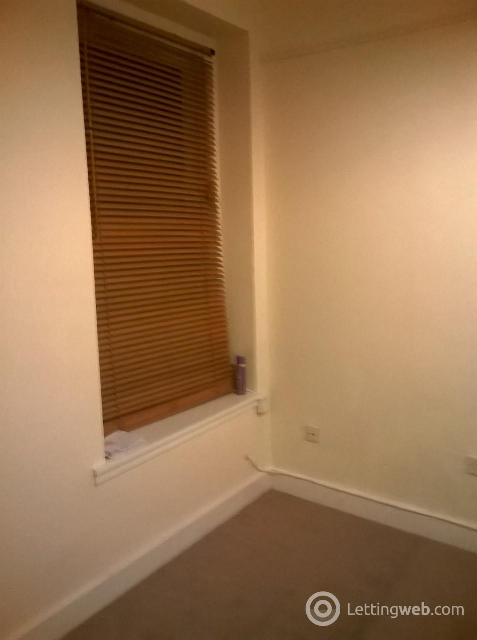 Property to rent in 80 Victoria Road, Falkirk, FK2 7AX