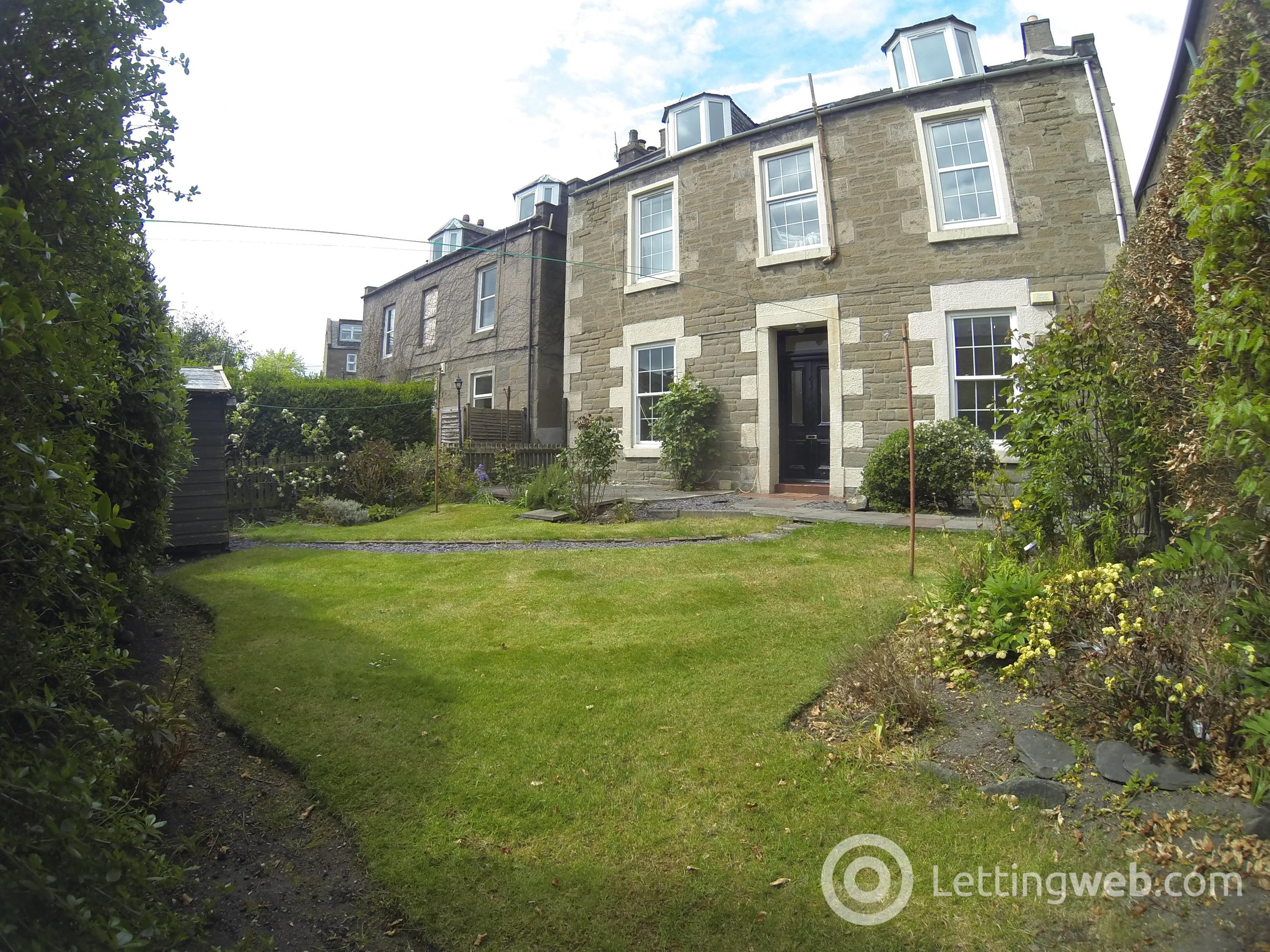 Property to rent in 5 Westfield Lane