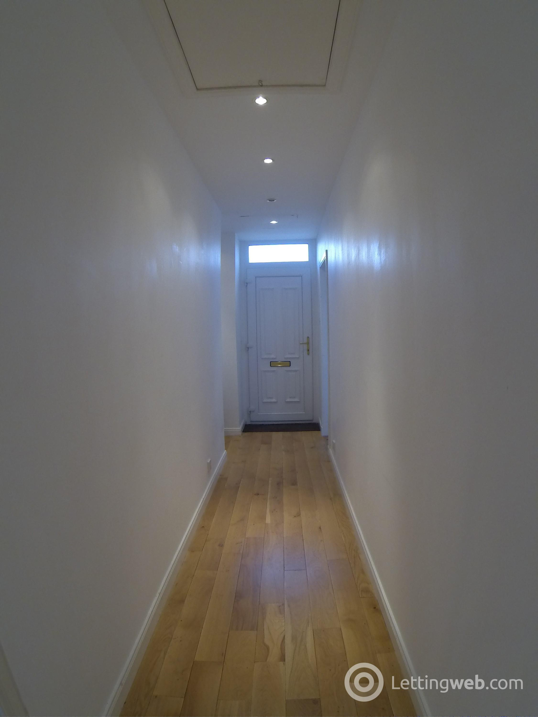 Property to rent in 20 Lawrence St