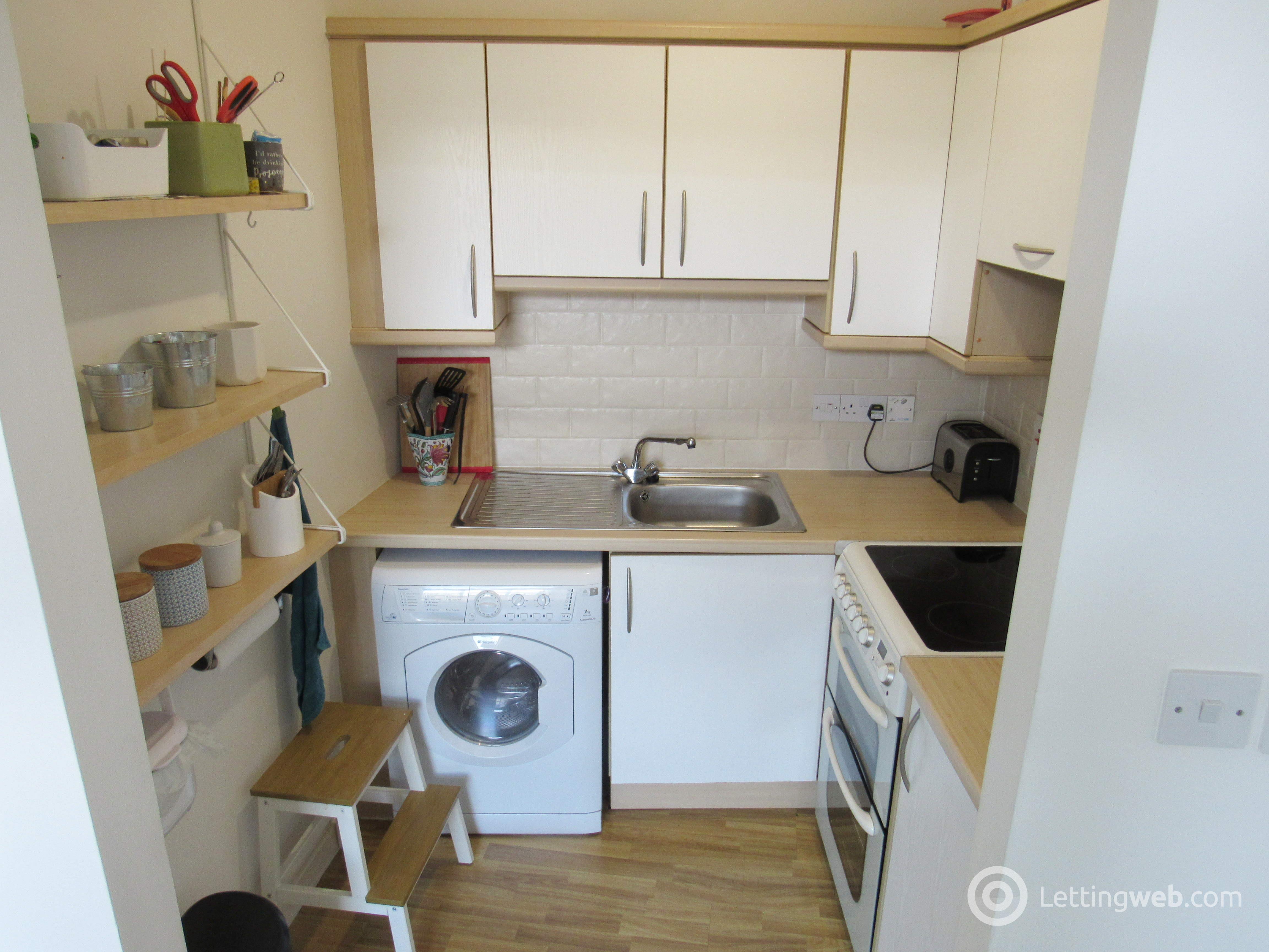 Property to rent in Wellington Street