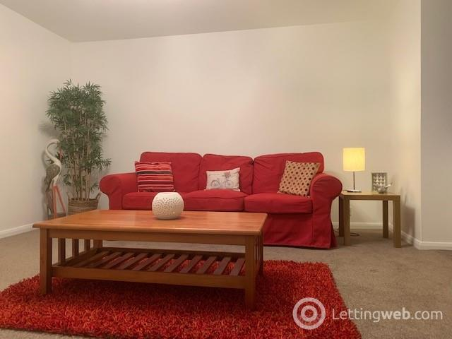 Property to rent in Claremont Gardens