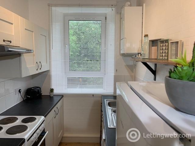 Property to rent in Jamaica Street