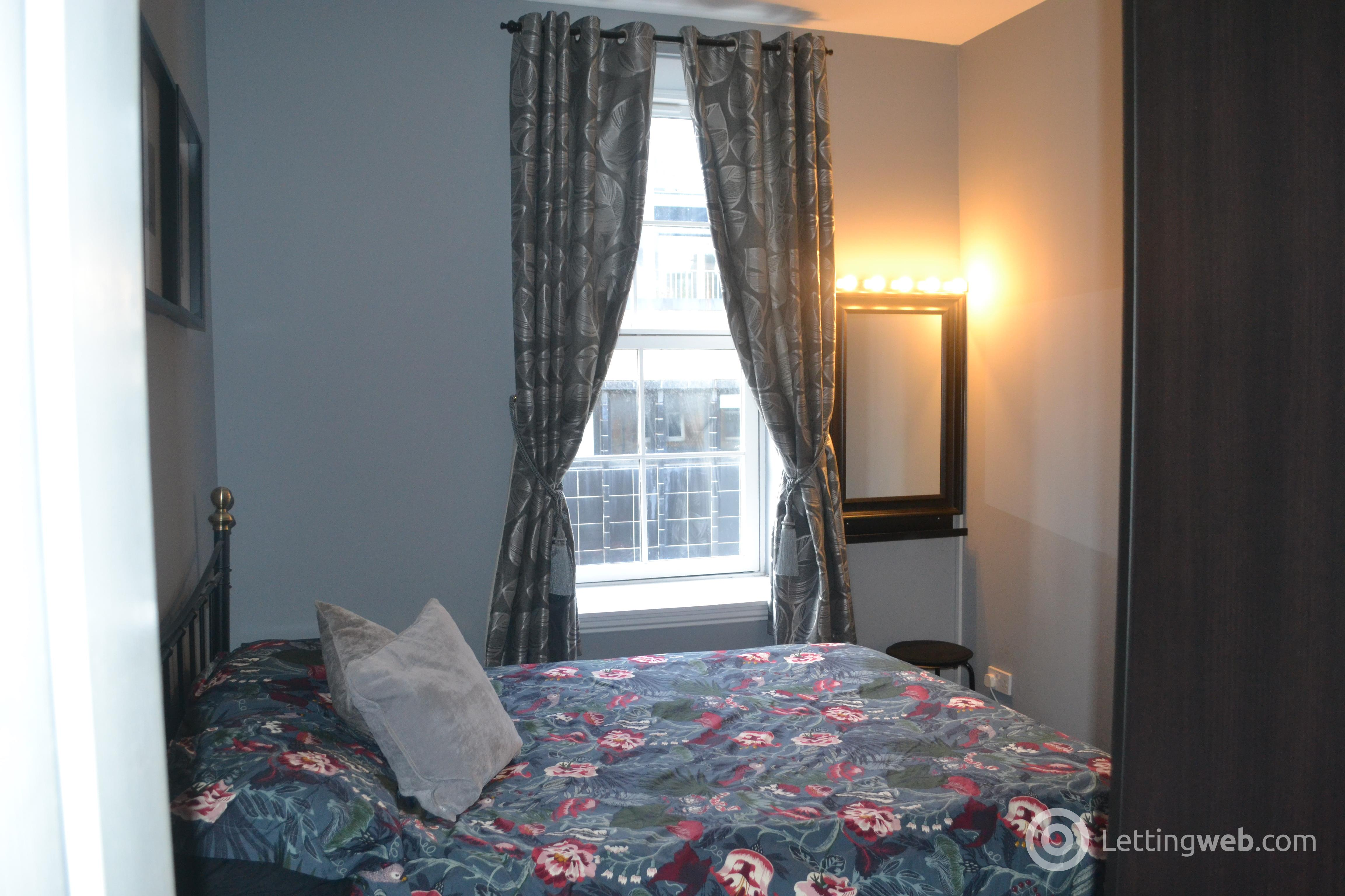 Property to rent in St. Andrews Square