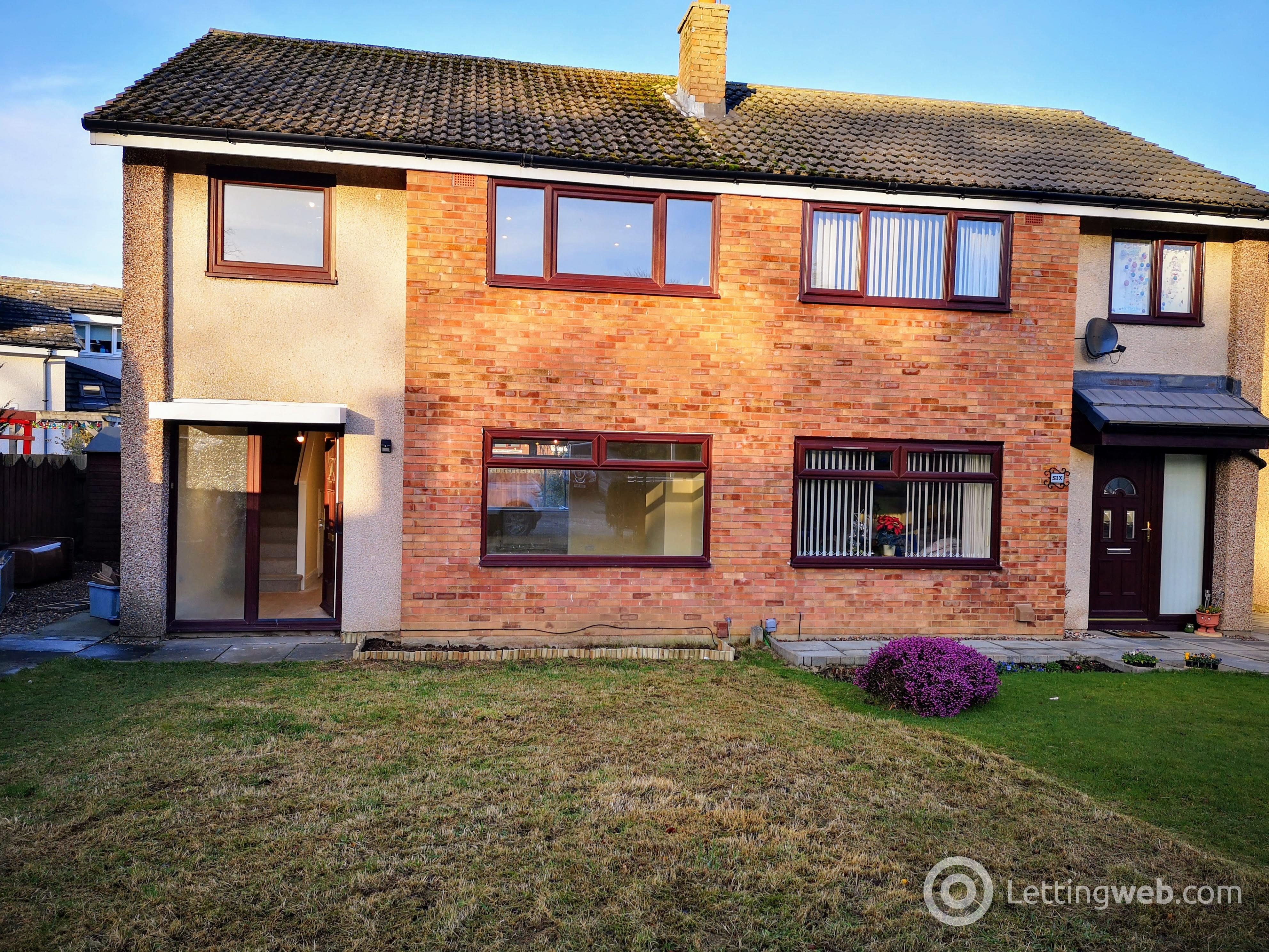 Property to rent in 8 Baberton Mains Bank