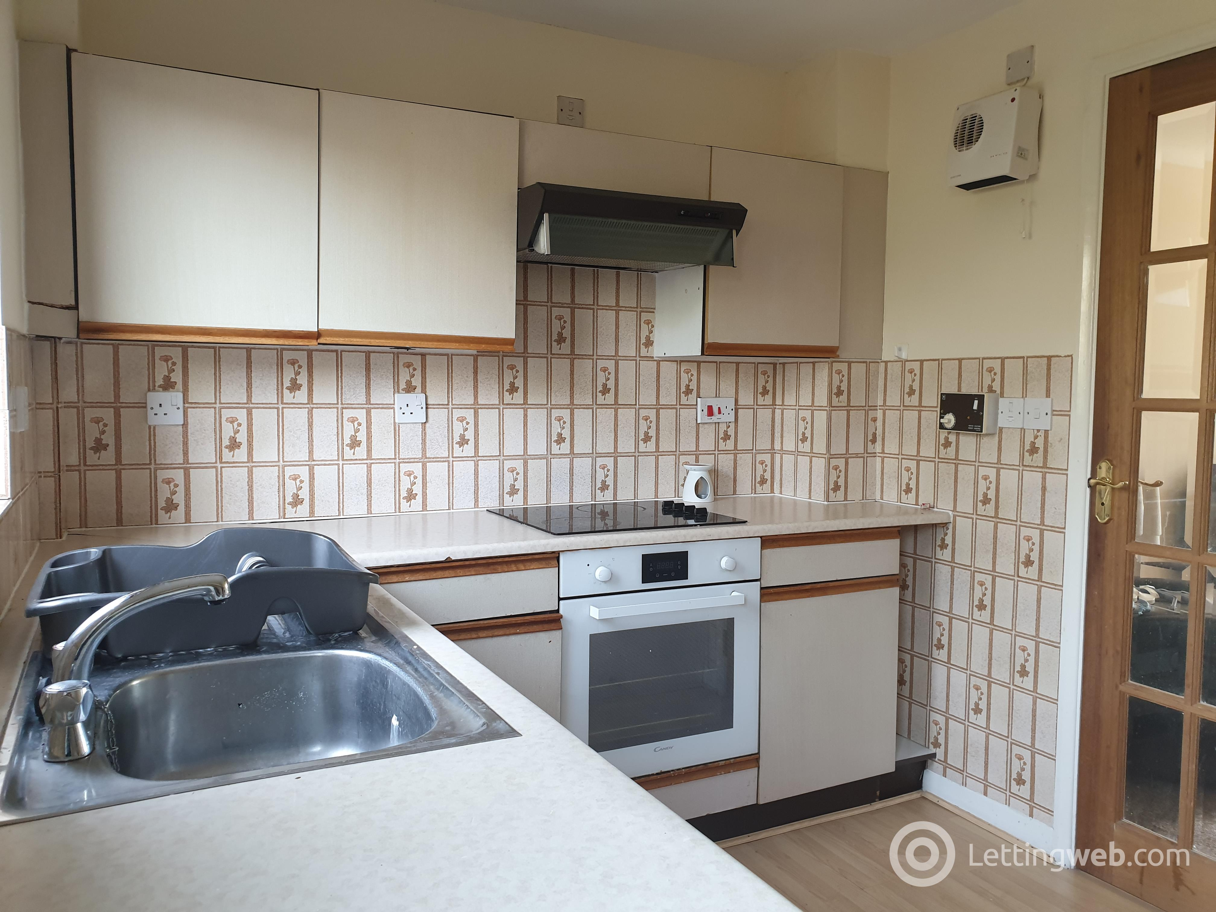 Property to rent in 9 Loretto Court, Musselburgh EH21 6ST