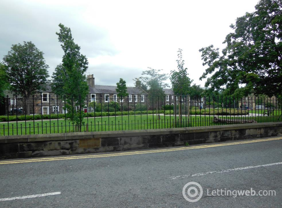 Property to rent in Gardner's Crescent, Edinburgh