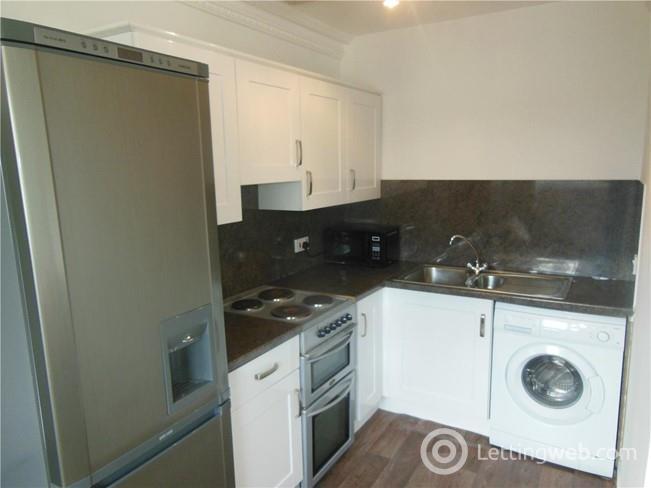 Property to rent in Grandfield, Trinity, Edinburgh, EH6 4TJ