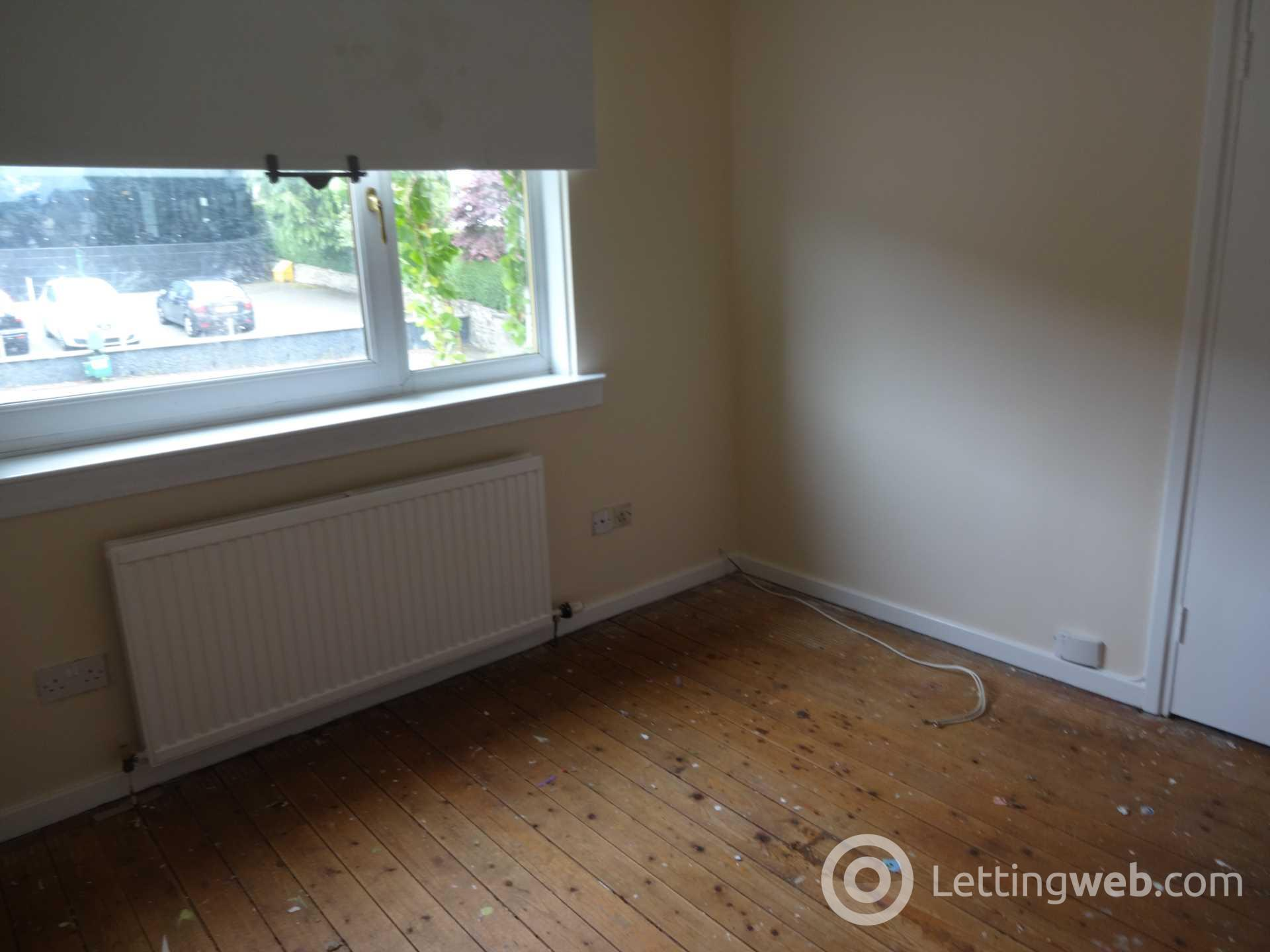 Property to rent in Victoria Place, Station Road