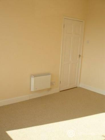 Property to rent in 135a Central Avenue Gretna