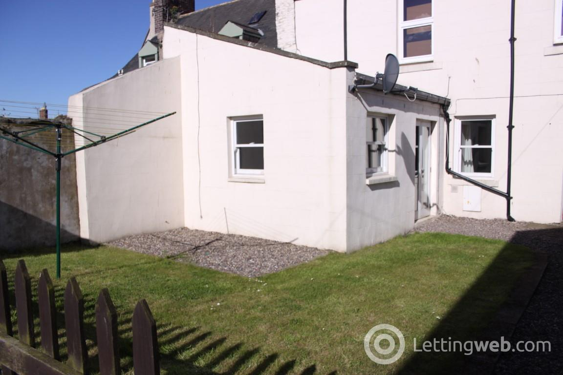 Property to rent in High Street, Montrose, DD10 8JL
