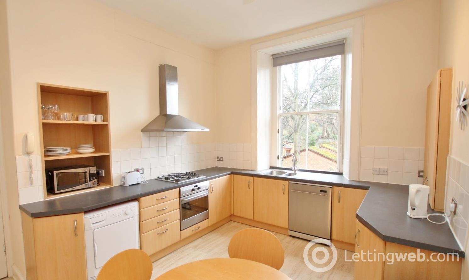 Property to rent in Inverleith Row