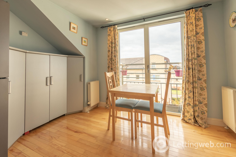Property to rent in Crewe Road North, Crewe Toll, EH5 2NE