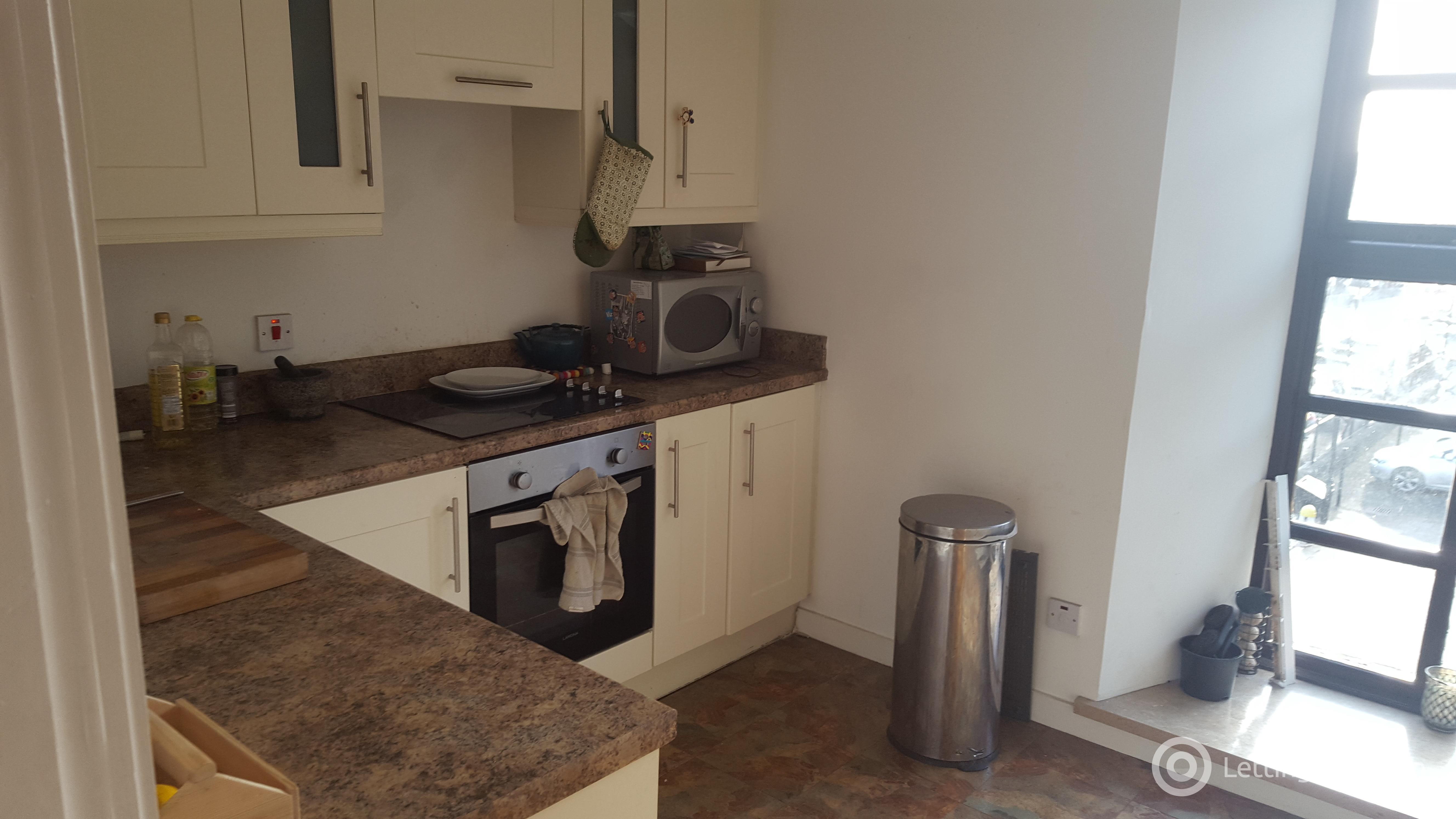 Property to rent in 6c Bonnethill Place, Dundee